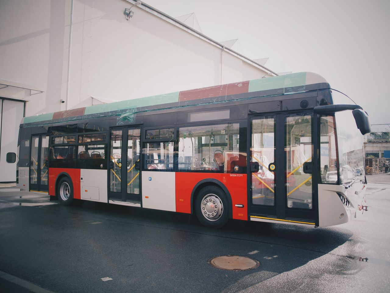 Nový elektrobus Škoda 36BB E'CITY. Foto: DPP