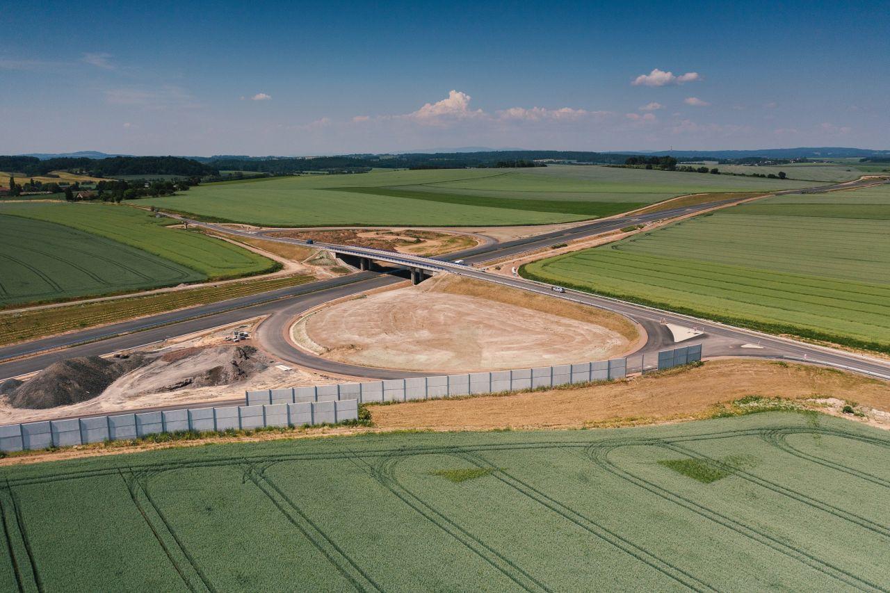 Stavba D11 v úseku Smiřice - Jaroměř. Foto: ŘSD