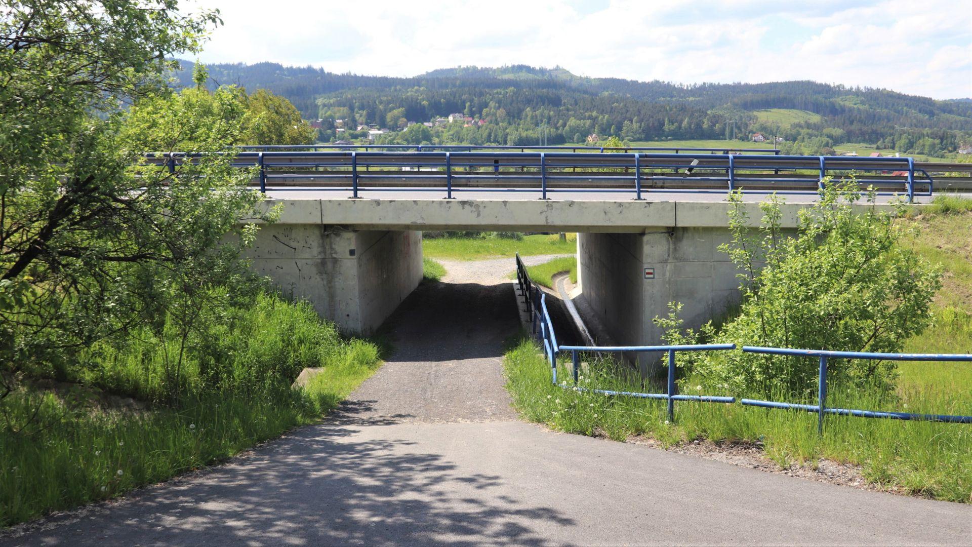 Most na silnici I/11 u hranic se Slovenskem. Pramen: ŘSD