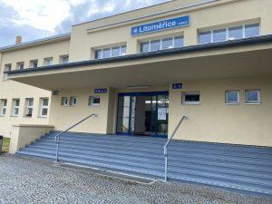 Opravená výpravní budova zastávky Litoměřice město. Foto: Správa železnic
