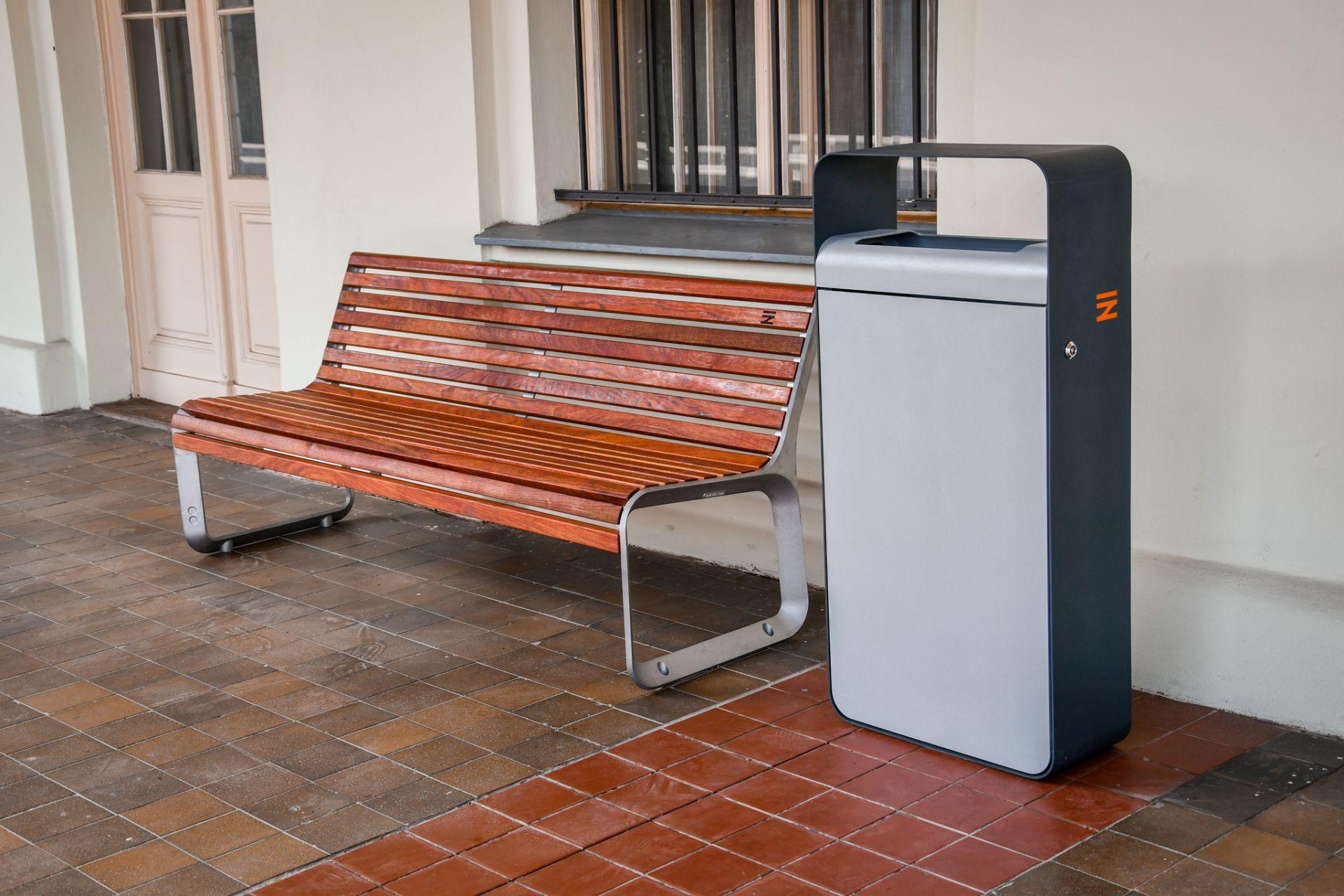 Nový mobiliář pro nádraží. Pramen: Správa železnic