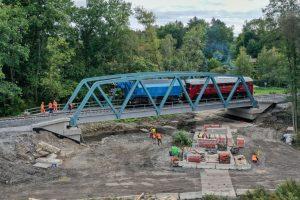 Zátěžová zkouška mostu přes Ohři. Foto: Správa železnic
