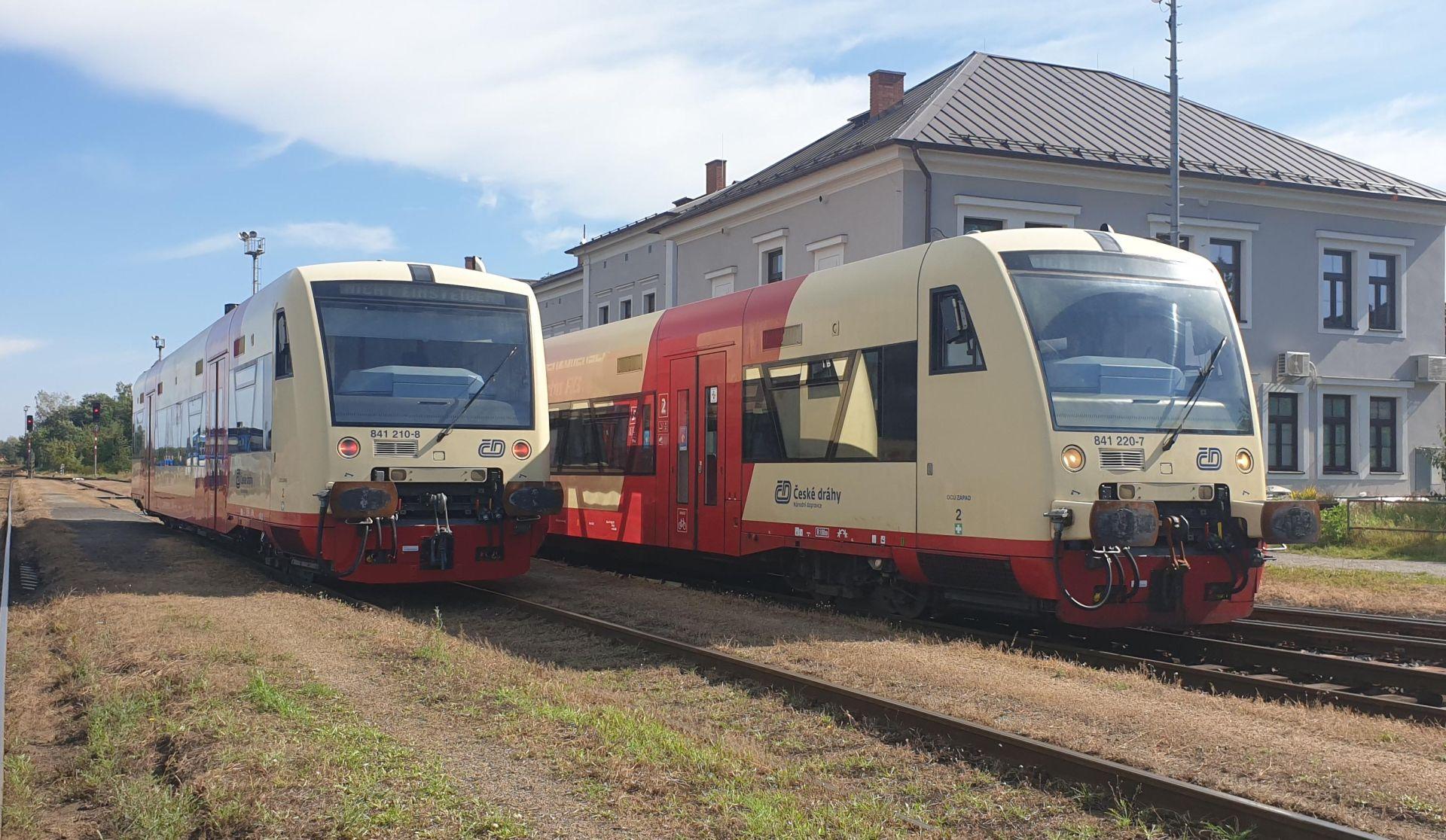 Vozy řady 841.2 Stadler RegioShuttle RS1. Pramen: České dráhy