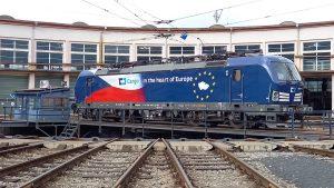 Lokomotiva Siemens Vectron ve speciálním polepu pro Evropský rok železnice. Foto: ČD Cargo