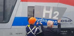 Lokomotiva SM42-6Dn s vodíkovým pohonem. Foto: Jan Sůra / Zdopravy.cz