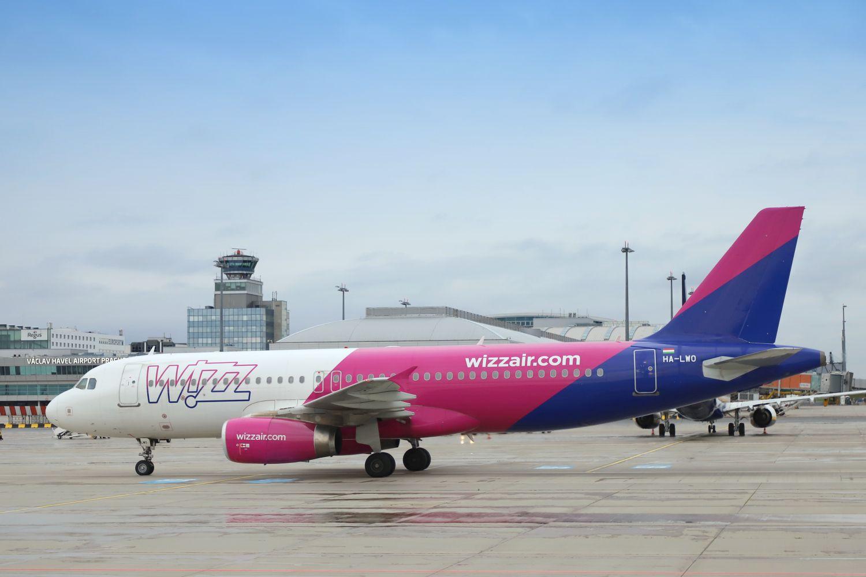 Letadlo Wizz Airu na Letišti Václava Havla. Pramen: Letiště Praha