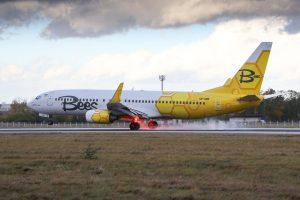 Boeing 737-800 společnosti Bees Airline při přistání v Praze. Foto: Letiště Praha
