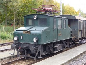 Elektrická lokomotiva E225 001 (Koloběžka). Pramen: NTM
