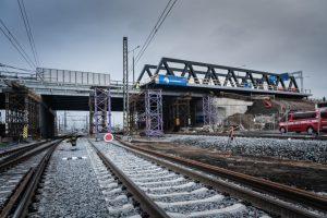 Instalace nového železničního mostu v Pardubicích. Foto: Chládek a Tintěra, Pardubice