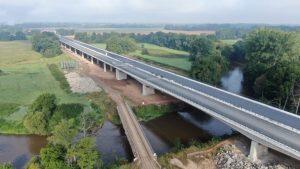 Přes kilometr dlouhý most u Opatovic nad Labem. Foto: ŘSD