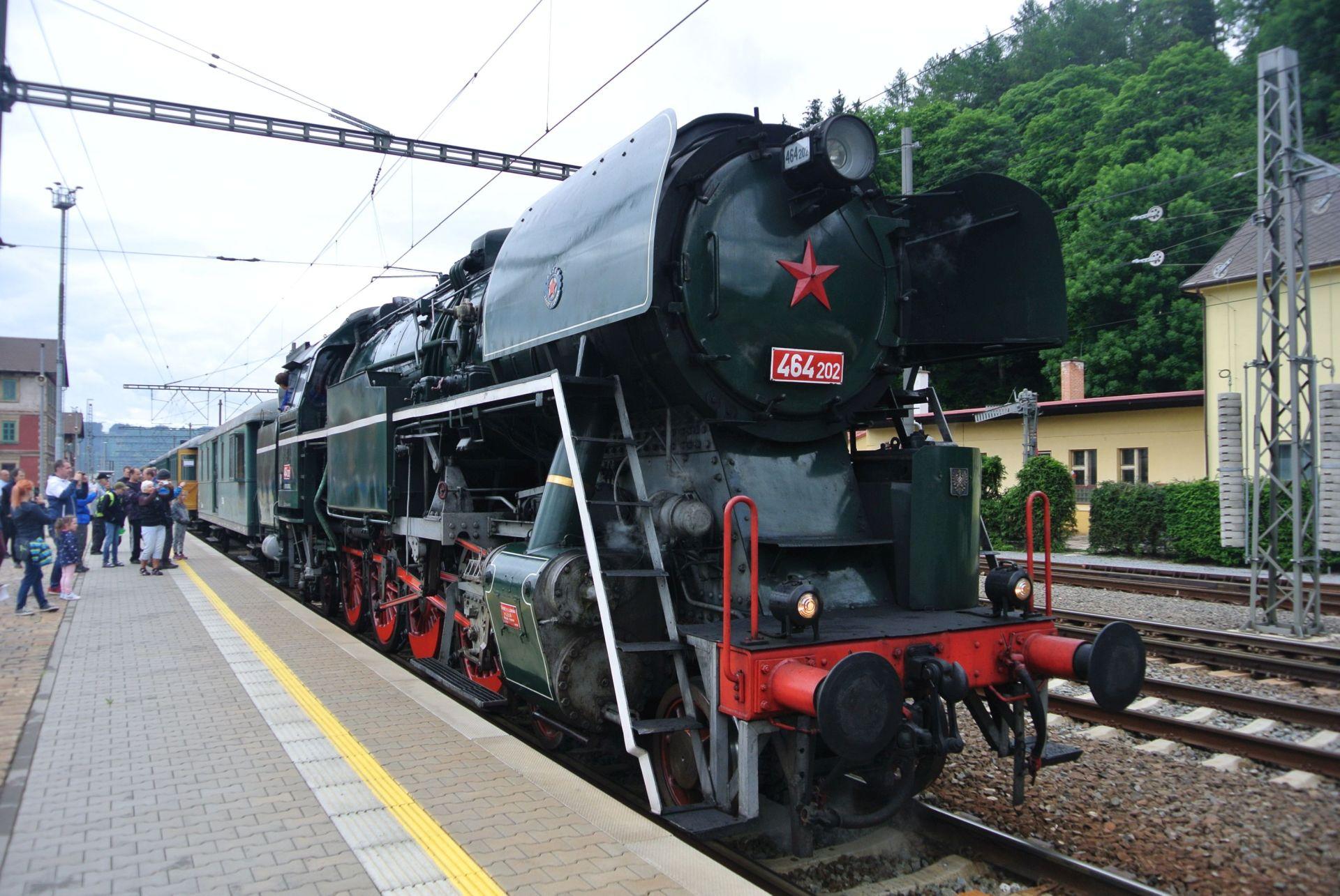 Parní lokomotiva 464.202 Rosnička. Pramen: České dráhy