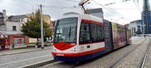 Linka s označením U zůstane jediným tramvajovým spojením na Náměstí Hrdinů. Tramvaj č. 7 nepojede. Foto: Jan Meischner / Zdopravy.cz